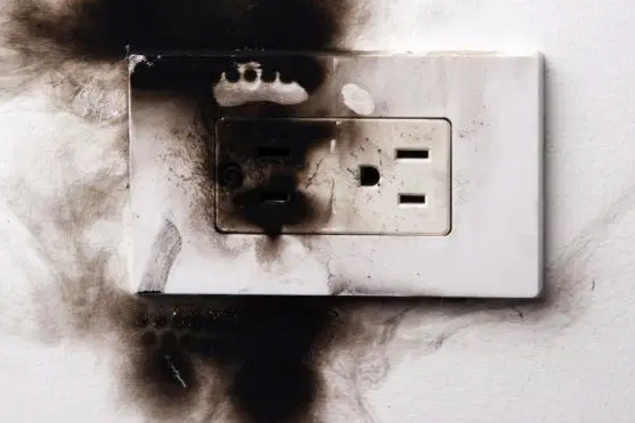 electrical outlet burnt